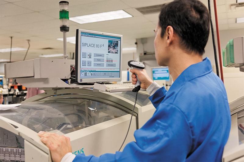 ръчен баркод скернер Zebra LI2208 сканира от компютър